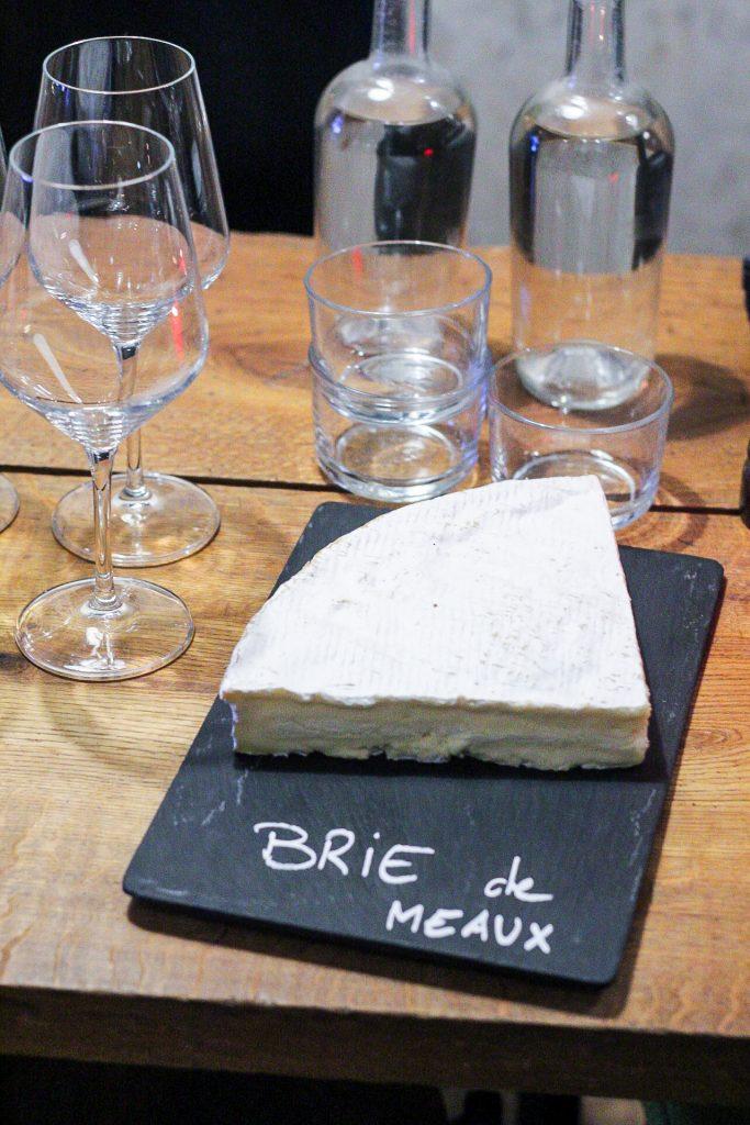 Französischer Käse und Wein für die Augustas Box